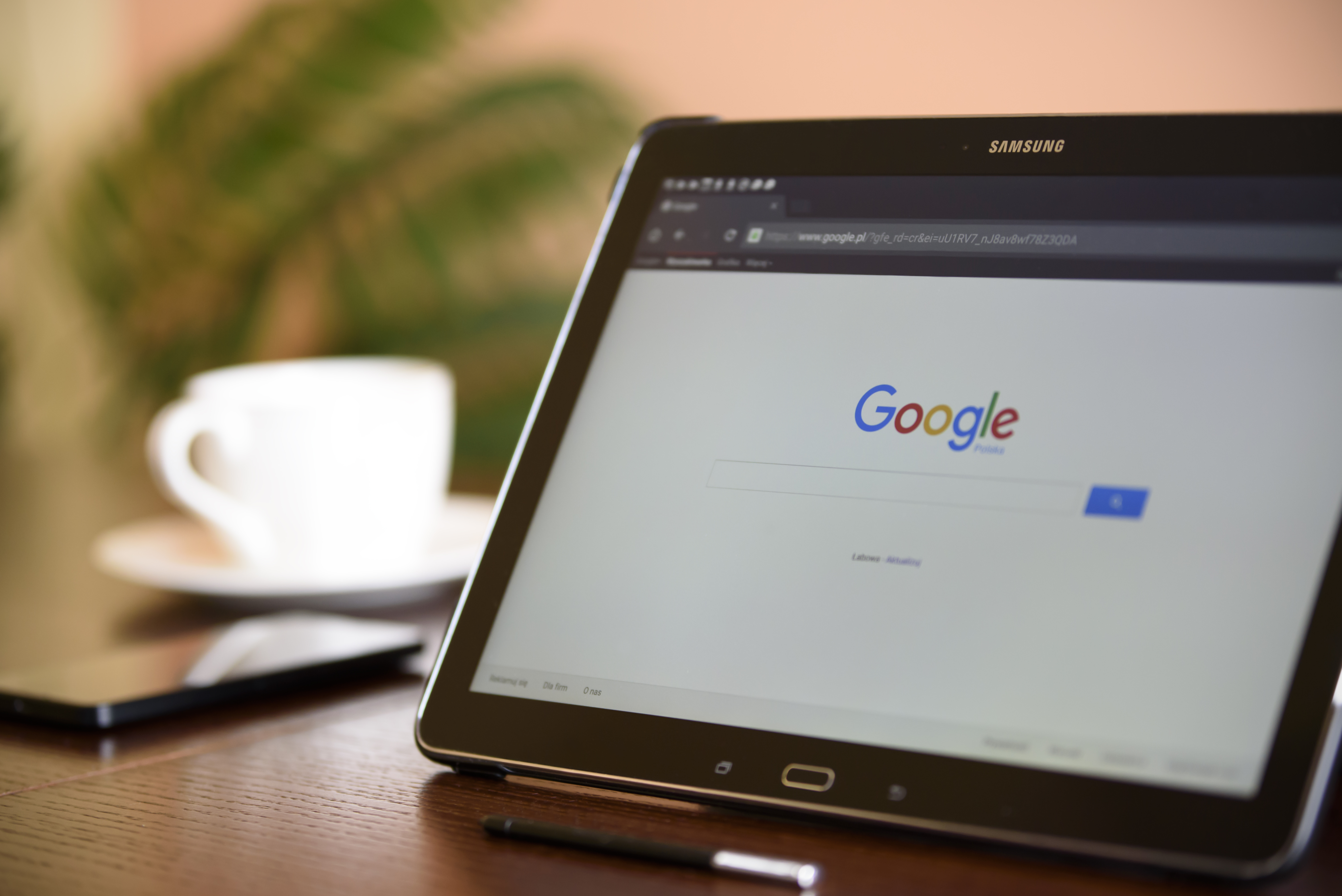 Internet search on a tablet